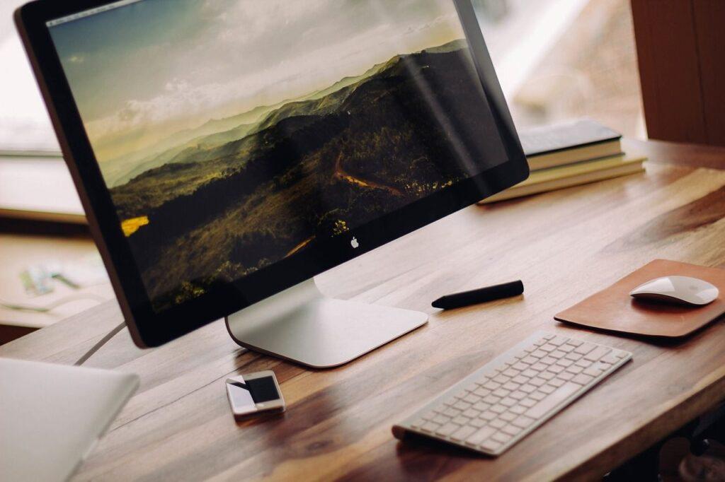 Die Maße bei TV-Geräten und Computerbildschirmen werden in Zoll angegeben. Foto Free-Photos / Pixabay