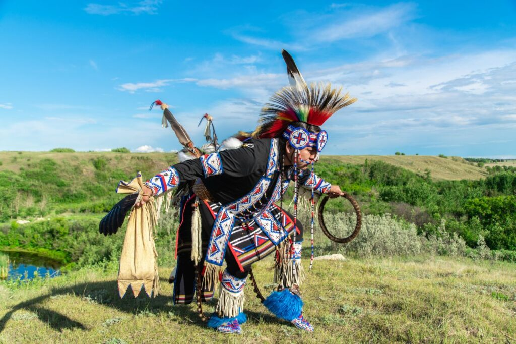 First Nation Tänzer in Wanuskewin. Foto Tourism Saskatoon / Studio 10