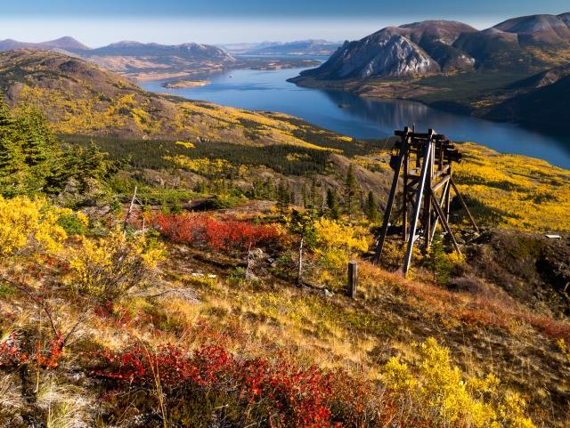 Entlang des SamMcGee Trail kann man viele Relikte aus der Zeit des aktiven Minenbetriebs entdecken. Foto YukonHiking