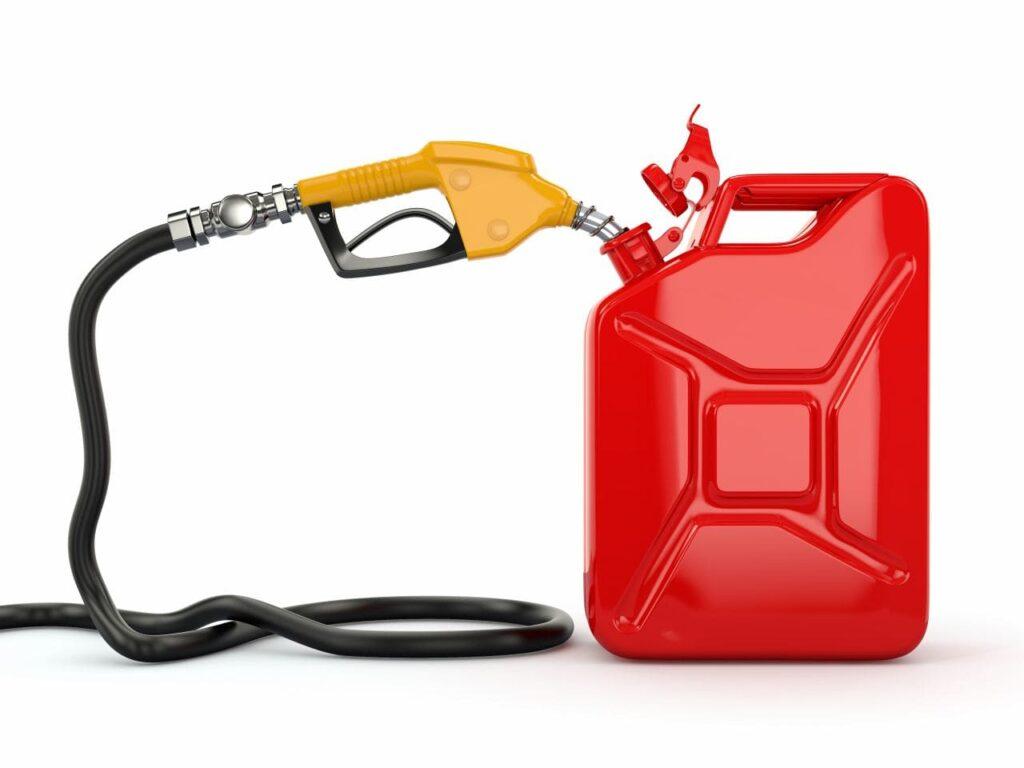 Umrechnung Gallone in Liter. Foto maxxyustas / Deposit