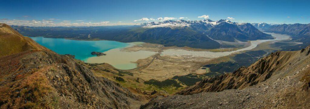 Ein Blick auf den Kluane Lake im Kluane Nationalpark and Reserve. Foto roussien / Deposit