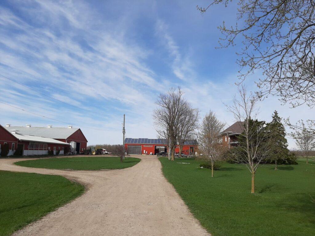 Die große, von Familie Jantzi, bewirtschaftete Farm. Foto Jantzi Family