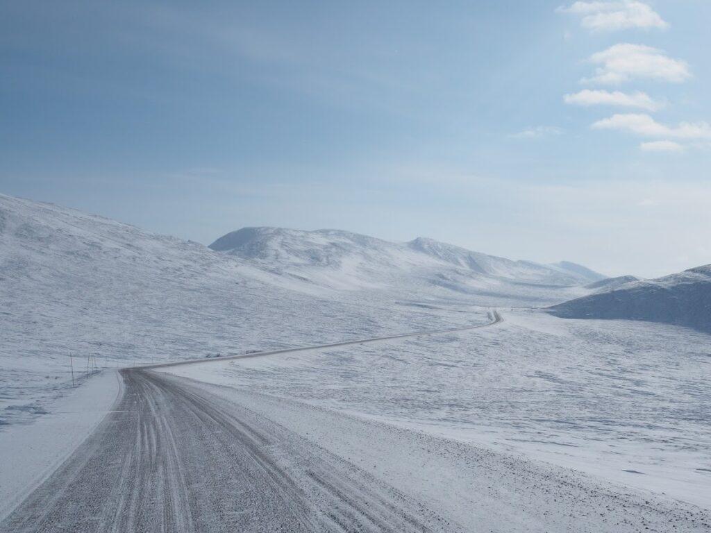 Auch im Winter ist das Befahren des Dempster Highway ein besonderes Abenteuer. Foto FasziKa