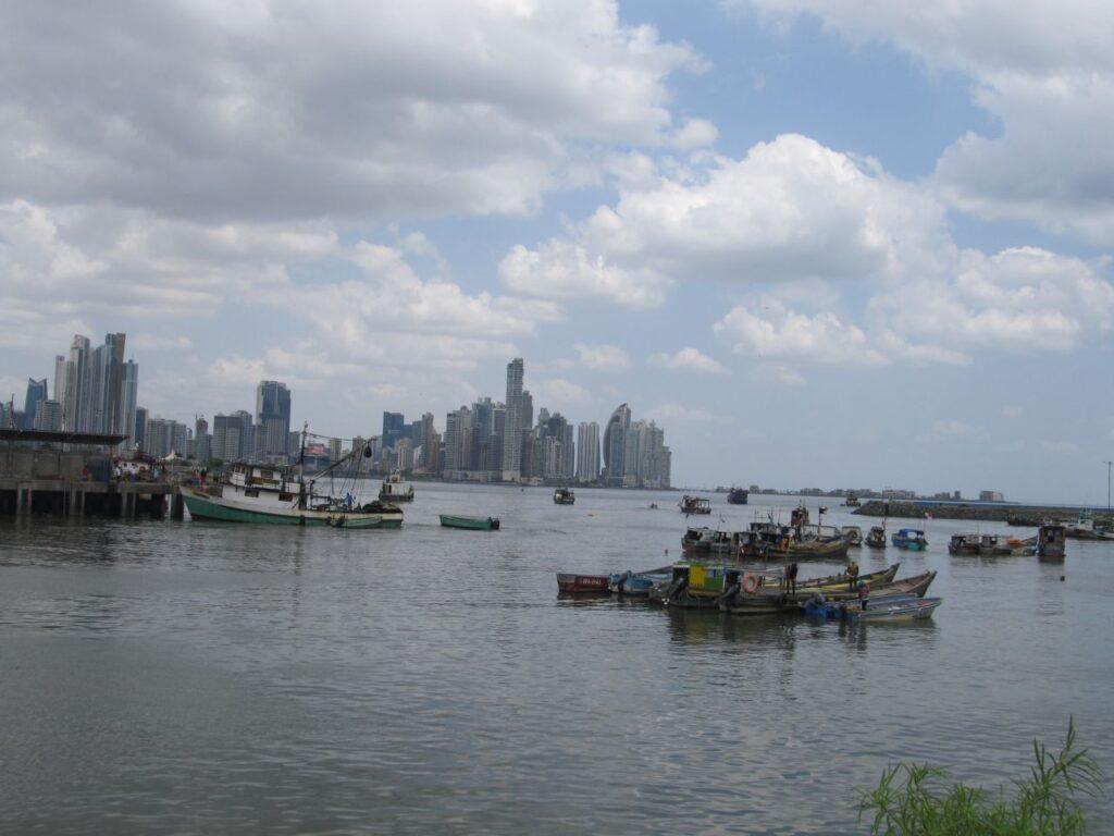 Ein Blick auf Panama City. Hier begann die Liebesgeschichte von Jérémie und Claudia. Foto CF