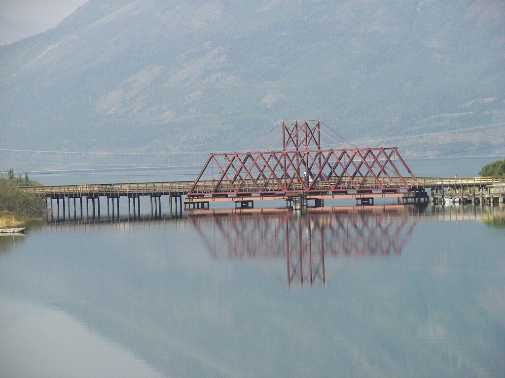 White Pass and Yukon Route Brücke am Klondike Highway in Carcross. Foto Wknight94 / CC BY-SA 4.0