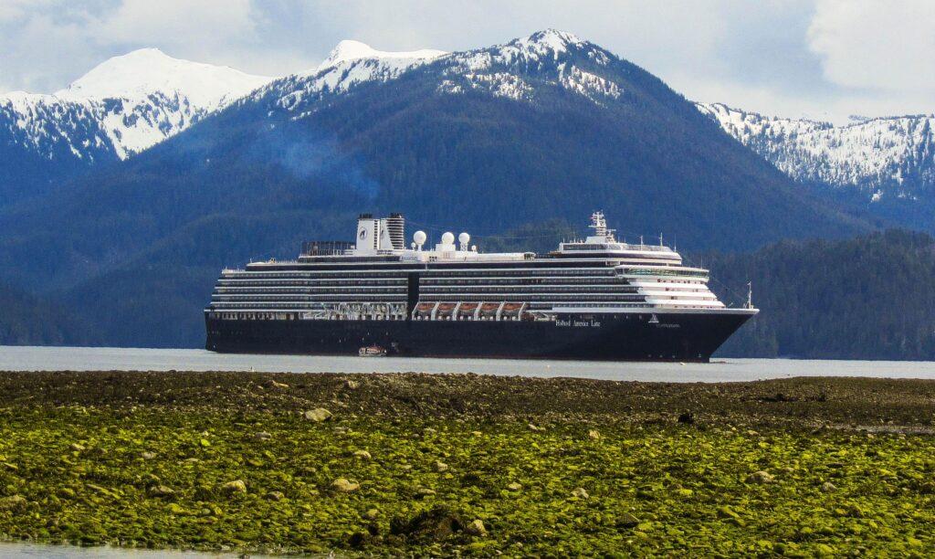 Kreuzfahrtschiffe sollen spätestens ab 2022 wieder kanadische Häfen anlaufen dürfen.