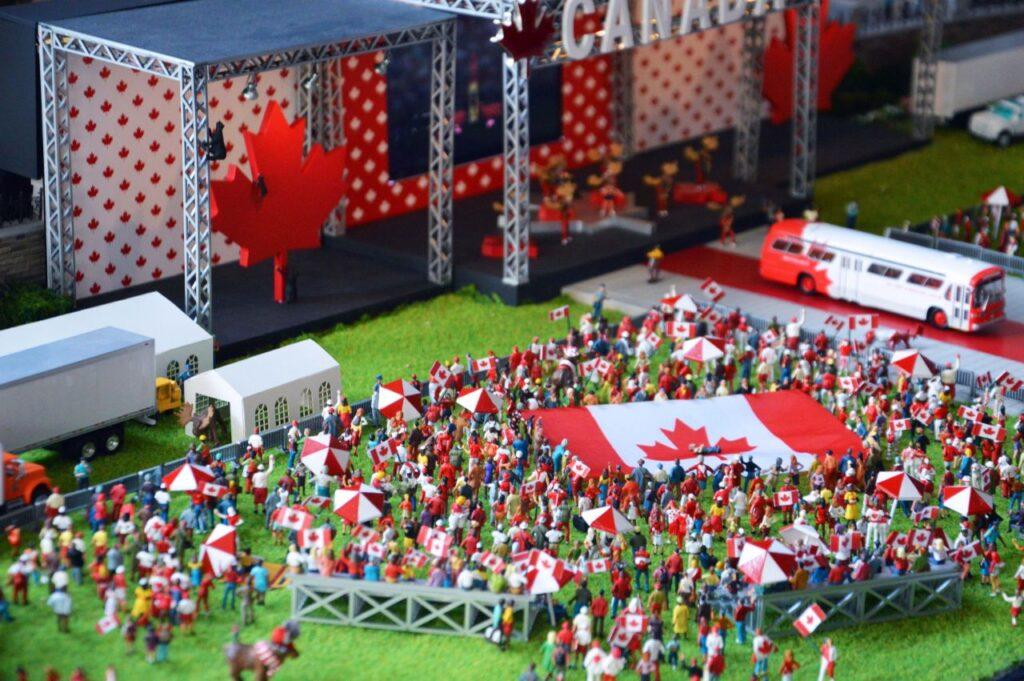 Die Detailtreue bei Gebäuden, Menschen und Asseccoires begeistert. Foto LittleCanada.ca