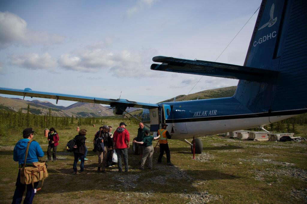 Schon die Anreise in den Ivvavik Nationalpark ist abenteuerlich. Ein Blick auf die Landepiste.